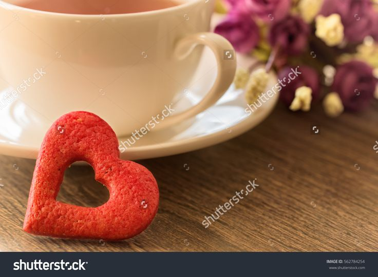 Valentines day red heart on wood. Festive cookies. Valentines day images. Stock photography, images, pictures, Illustrations.  Valentines Day Images Download. Valentine photography for lovers. Valentine pictures romantic. Photo for valentines day. Happy valentines day. Valentine wishes for girlfriend