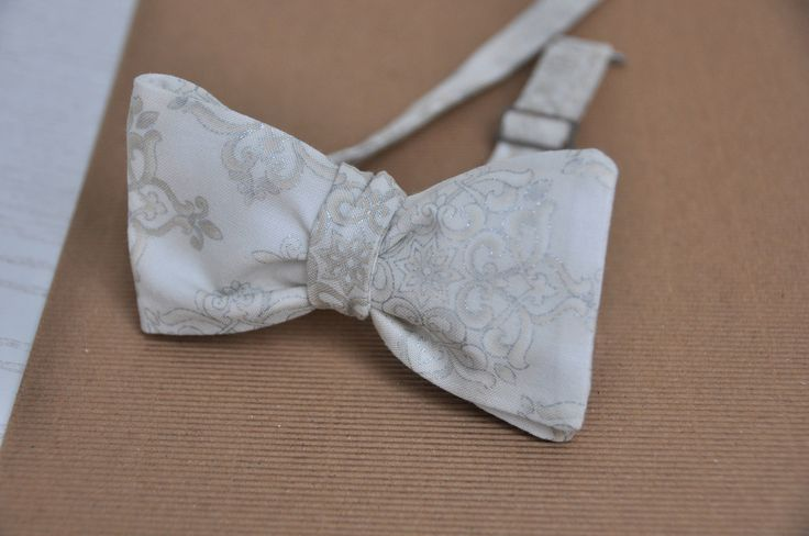 Men's Bow Tie in Silver and Ivory. Groom's Bow Tie. Self tie Bow Tie by WingedBowTies on Etsy