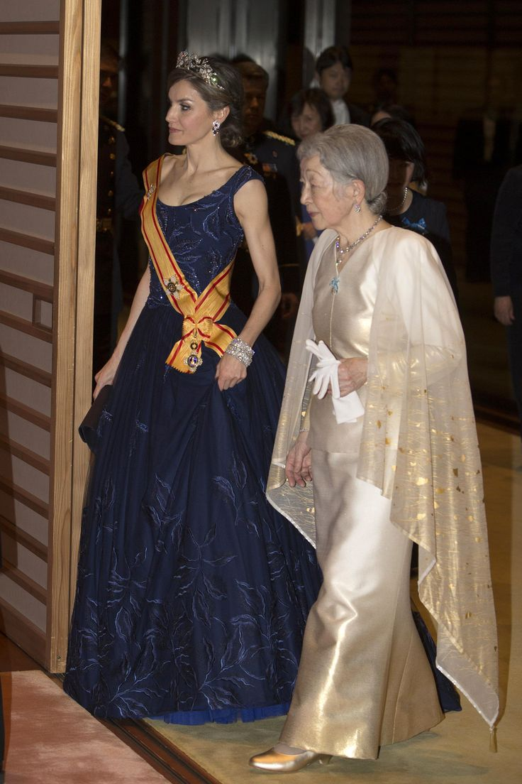 Queen Letizia of Spanish and Empress Michiko of Japan arrive at the Imperial Palace in Tokyo for the state banquet hosted by Japanese Emperor Akihito and Empress on April 5, 2017. The Spanish royal couple is on a four-day state visit to Japan.