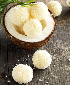 Biluțe din NUCĂ de COCOS – rețetă din 2 ingrediente
