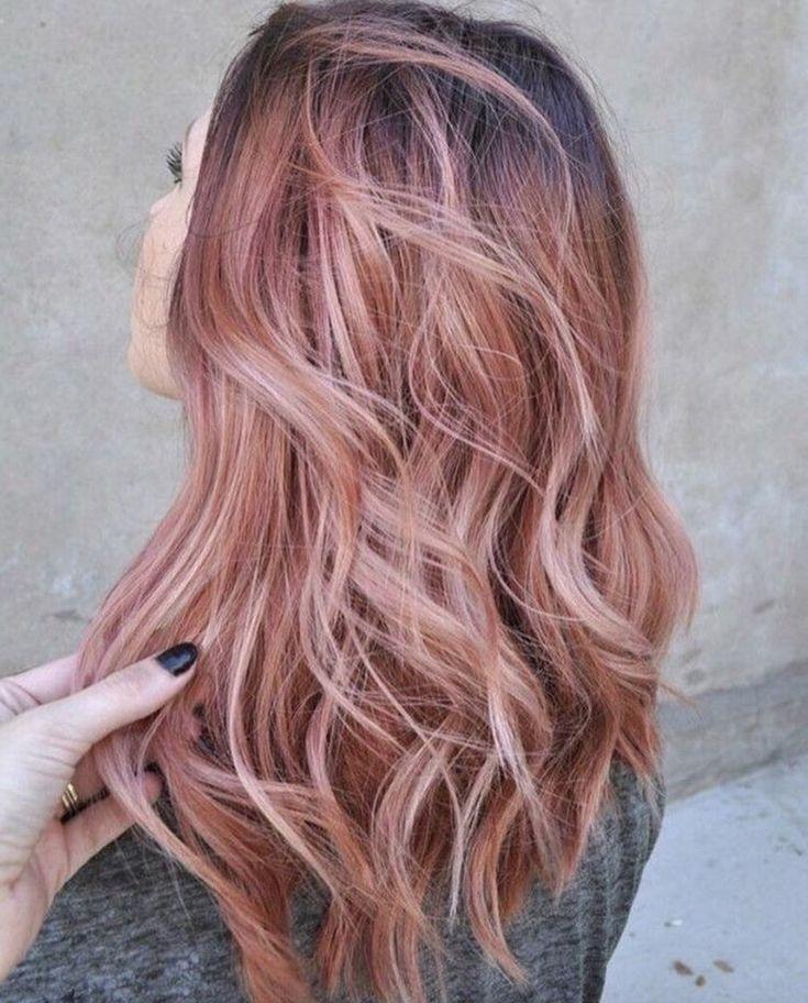 Zelfs je haar mag er tegenwoordig aan geloven. Rosé goud haar is namelijk één van de grootste haarkleurtrends van 2016. Hoewel we zelf vinden dat er qua accessoires een beetje gedimd mag worden, zijn we van de haartrend wél helemaal fan! Wat vind jij van deze trend? Zit je eraan te denken om je haar […]