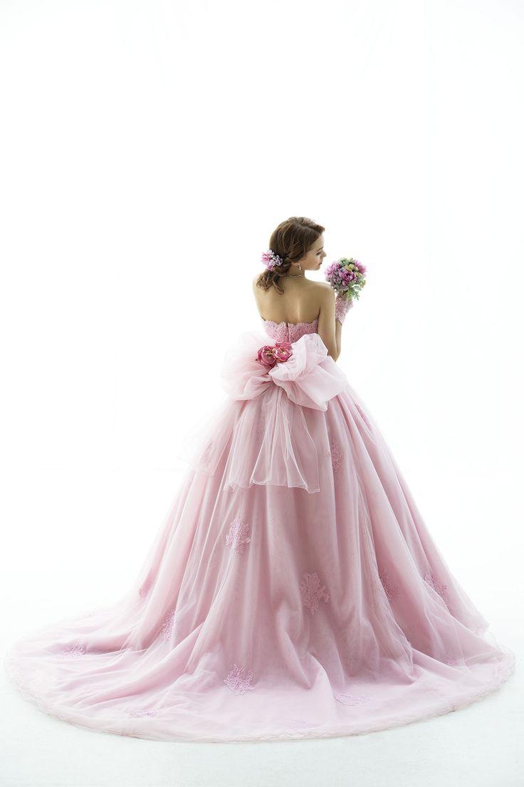 世界で1着、気品溢れるパープルピンクのカラードレス