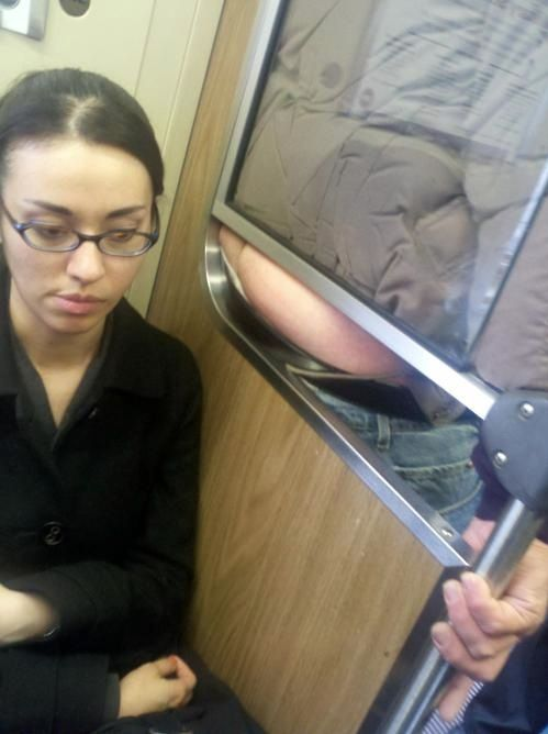 Poor Girl - Subway Seat with a Great View of a Butt Crack Fail ---- hilarious jokes funny pictures walmart humor fails