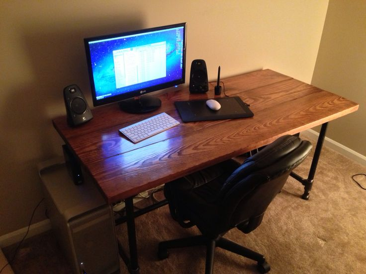 How to Make a Custom Minimalist Desk for Relatively Cheap