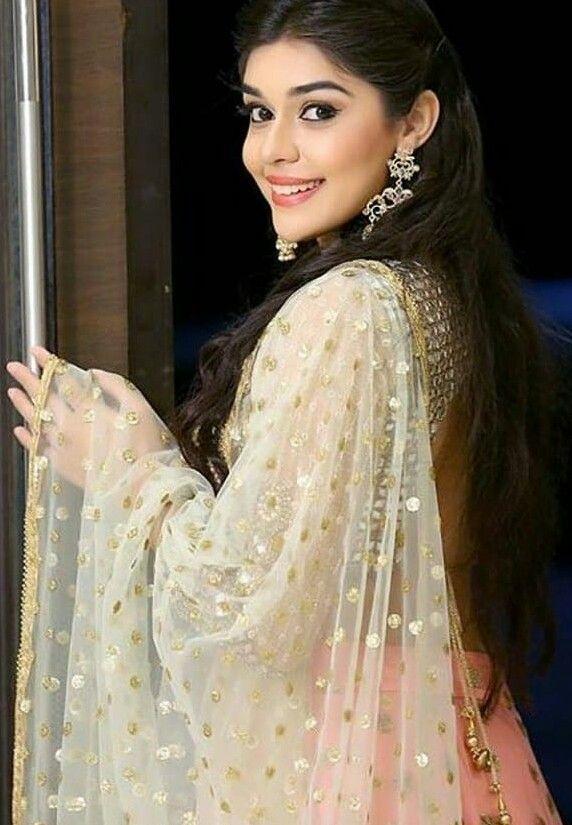 7cb27579 Zara siddiqui from isq subhanallah   Styles,beauty,dress and fashion ...