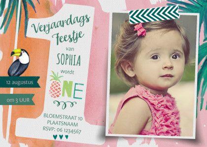 Een uitnodiging voor de eerste verjaardag van je dochter met een trendy tropisch thema.  #feestje #uitnodiging #1jaar #kinderfeestje