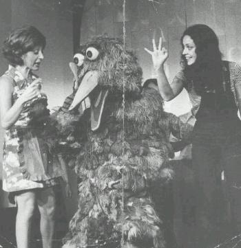 Vila Sésamo - Sonia, Garibaldo e Aracy Balabanian (1972)