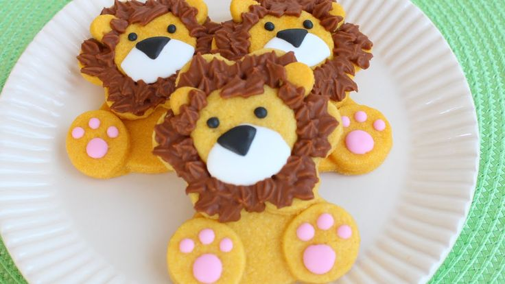 How to make cute & easy Lion Cookies - Decorated with colored cookie dough