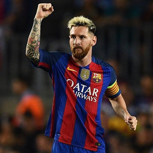 ⚽️⚽️⚽️ Lionel Messi has made UEFA Champions League history with his hat-trick in FC Barcelona's 7-0 victory over Celtic FC. The Argentine has scored six hat-tricks in the competition, and is now one clear of Cristiano Ronaldo. #Messi #ChampionsLeague #UCL #FCBarcelona #Barça #hattrick #record #history @leomessi @fcbarcelona @uefachampionsleague