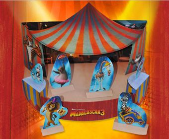 Madagascar 3 Diorama: Dreamworks Printable, Games, Madagascar Printable, Papercraft 3D, Parties Printable, Free Madagascar, Parties Ideas, Paper Crafts, Dioramas Ideas