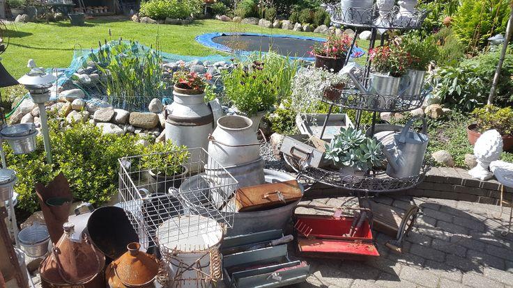 ❤ Køb romantisk brugskunst ❤ - se udvalg i webshoppen eller kom i butikken og haven, her oser af stemning og hygge med masser af skønne ting til hus og have.