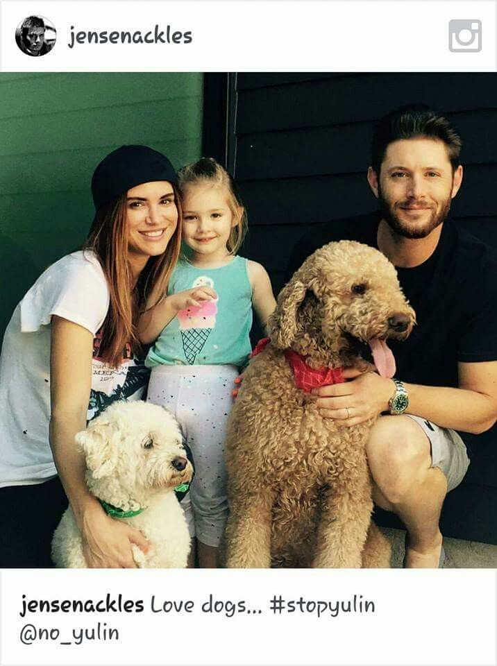Jensen Ackles with his wife and daughter, and dogs! #JensenAckles #DanneelAckles…