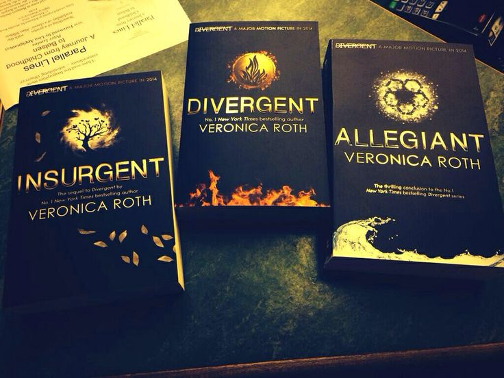 John Kelly, executive producer of the movie, Tweeted this picture of the Divergent, Insurgent and Allegiant covers in Budapest <--they're beautiful