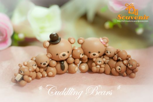 *CLAY ~ cuddling bears