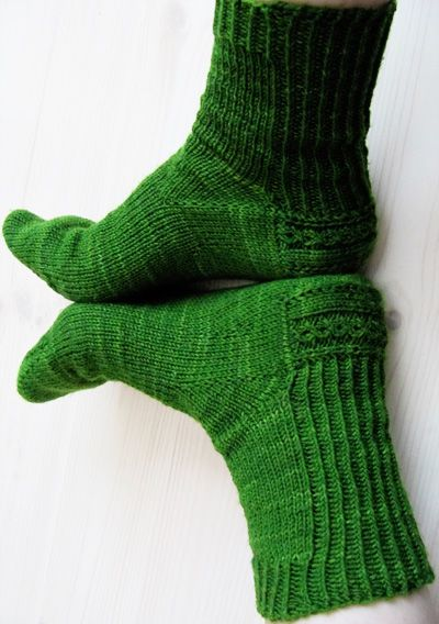 Knitting Pattern Sock Short Row Heel : 17 Best images about Knitting socks on Pinterest Free pattern, Felted slipp...