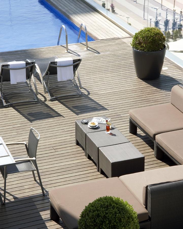 30 mejores im genes sobre terrazas piscina en pinterest for Se puede fumar en las piscinas