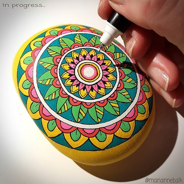 Such a long time ago, that I painted a stone! So now it's about time  Just some last details to do...  When it's finished it will be the first stone I put in my Etsyshop  . Enjoy your weekend dear followers ♡ . ##workinprogress #mandala #stoneart #mandalaart #handdrawn #paintedstones #beachstones #happyweekendeveryone
