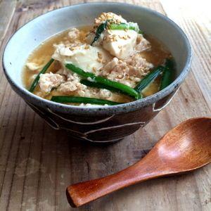 【簡単!!レンジで一発】包丁いらず!ひき肉と豆腐のおかずスープと、塩豚と、みかん by 山本ゆりさん | レシピブログ - 料理ブログのレシピ満載!  きてくださってありがとうございます!2014年最後の料理がこんな地味なものでアレですがものすごく簡単で、おすすめのものを紹介します。 このブログは、どこにでもある材料で、誰にでもできる料理を載せてい...