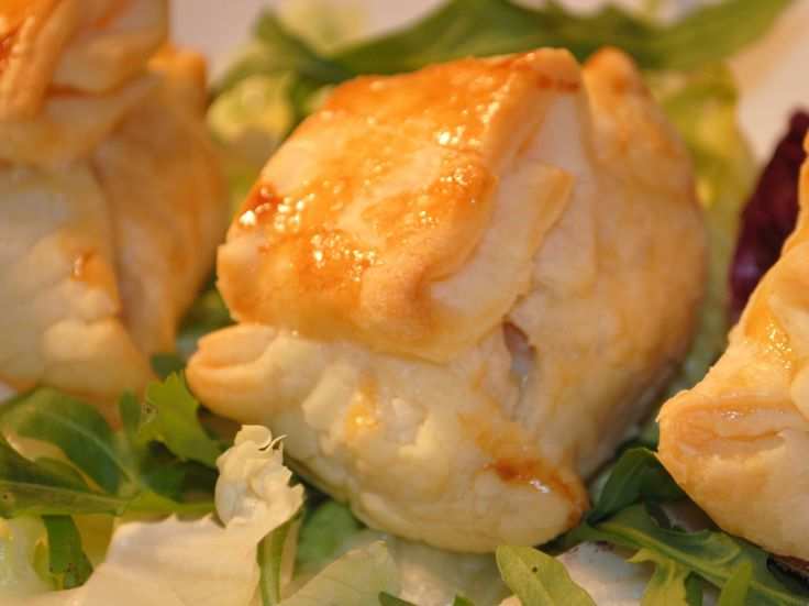 Puff pastry filled with chicken meat