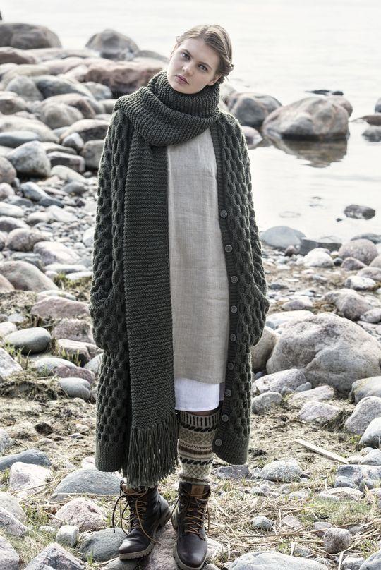 Strukturstickad damkofta Novita Isoveli   Novita knits