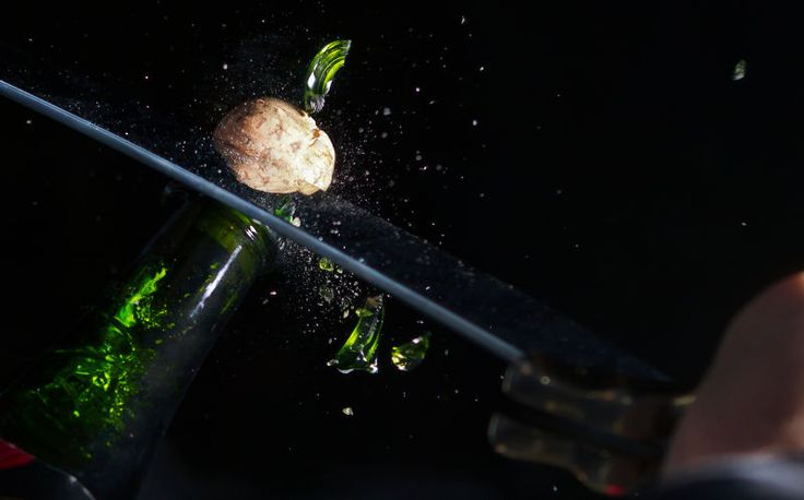Photo: michalzak/Getty ImagesIn Food Science, Dave McCowan from the University Of Chicago's Department Of Physics answers our confounding questions about the mysterious world of food.Announce at a party that you're going to open a bottle of Champagne and people will turn their heads. Announce you pla