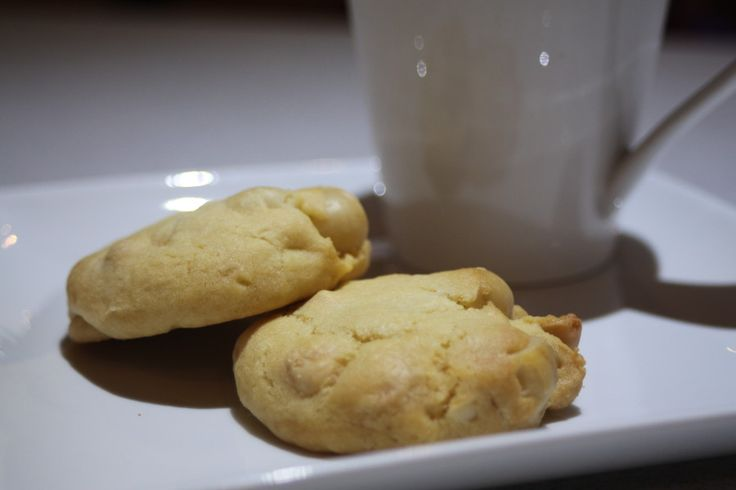Macadamia & White Chocolate biscuits. These biscuits are so easy and freeze perfectly once cooked. Enjoy