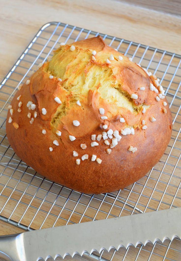 13 desserts, chacun: La mouna: brioche de Pâques