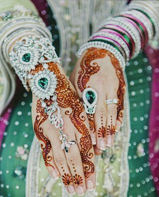 Emerald and diamond jewelry for a south Asian bride