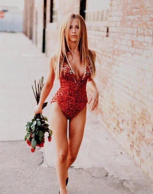 90's Jennifer Aniston Check this blog!