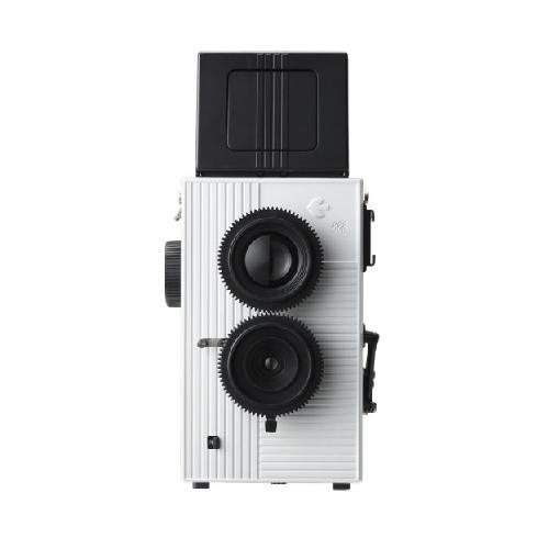 SUPERHEADZ BLACKBIRD FLY TLR (WHITE): Two apertures - f/7 and f/11 Three formats on 35mm film! Probably the most exciting thing about this camera, you can shoot normal 35mm, square format, and large square format (YES that means onto 35mm sprockets!) 1/125 Shutter speed or Bulb mode Tripod mount Flash hotshoe Multiple exposures 33mmm Wide Angle lens