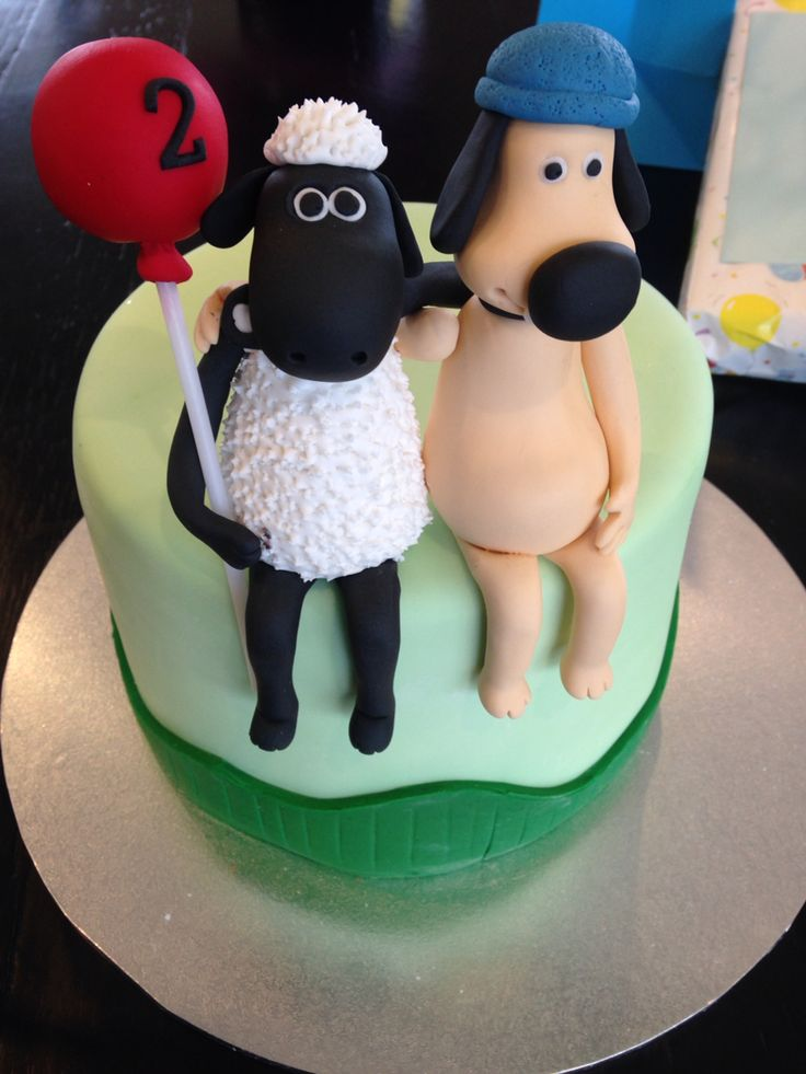 Kids party, farm and country themed Shaun the sheep birthday cake photographed by animals2u.com.au