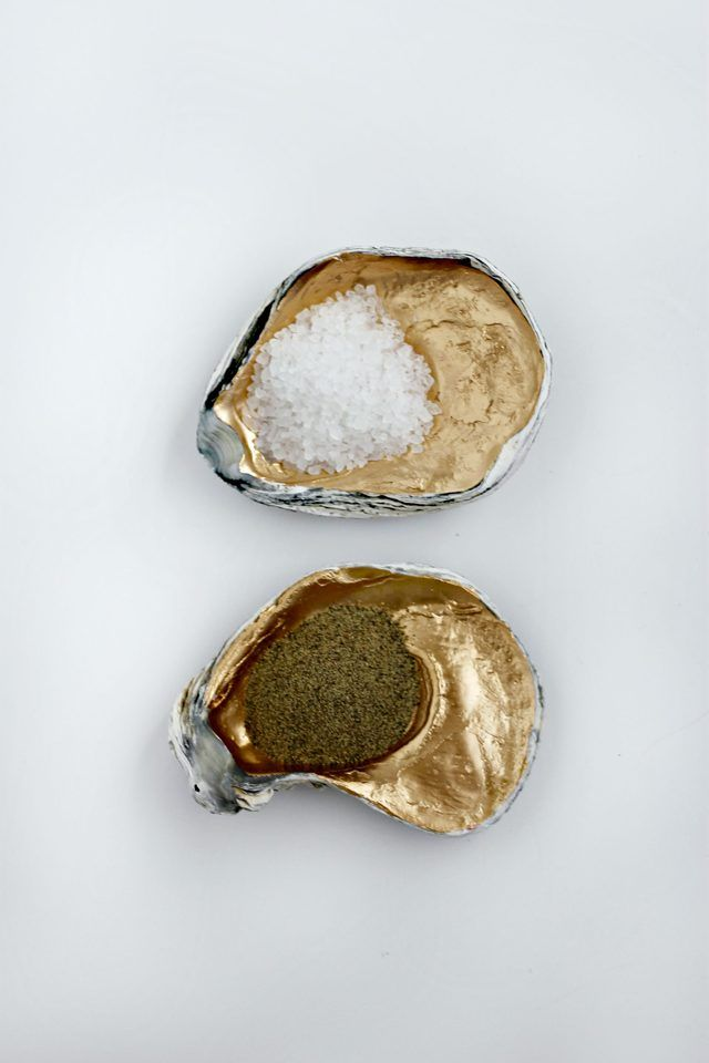 Uses for Oyster Shells | eHow