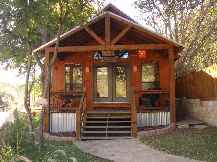 Lil Kahuna Pet Friendly Vacation Rental In New Braunfels Texas Pet Friendly Vacation Rentals Pet Friendly Vacations Vacation Rental