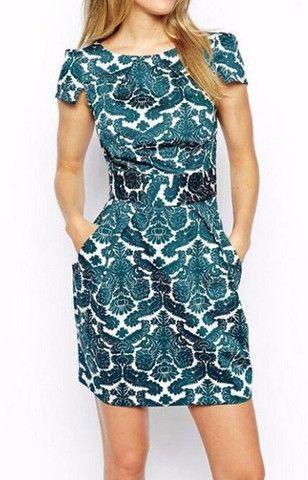 Green & White Vintage Dress                                                                                                                                                                                 Mais
