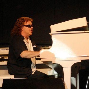 Lynyrd skynyrd piano player