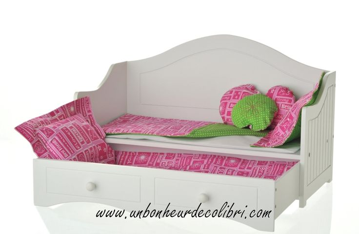 doll-daybed-with-trundle-and-hot-pink-green-linens