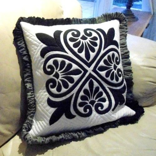 ThimbleladyQuilting - quilted cushion pattern - Turkish Delight, $0.00 (http://www.thimblelady.com/quilted-cushion-pattern-turkish-delight/)