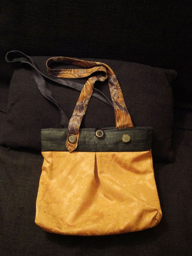 Bag made by PouPée-Pe: using upcycled ties as handles (front side).