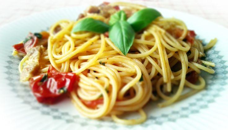 Pasta con pomodoro e basilico #italianfood, #pasta