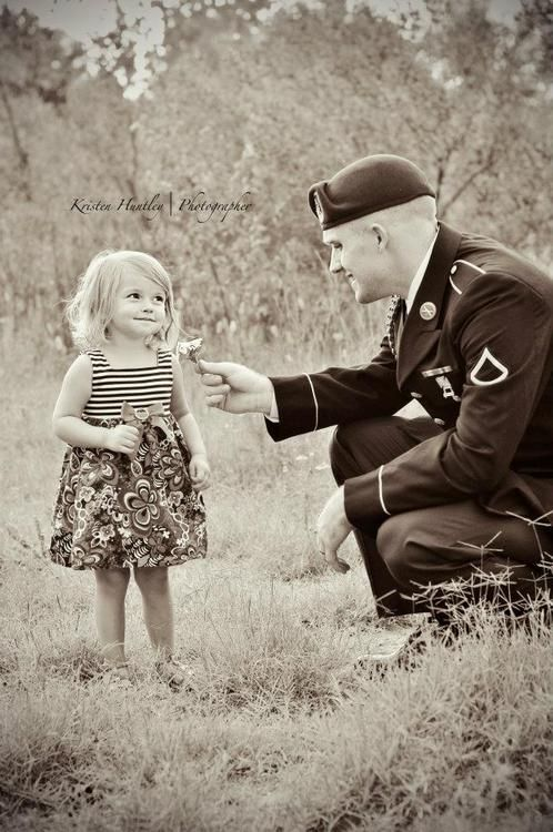 I dont think it gets much cuter than this. A soldier and his little girl!: Military Brat, Forever Military, Military Heroes, Military Lovers, Military Suits, Huntley Photography, Military Dads And Daughters, Military Families, Father Daught