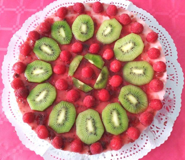 Tarta de queso light con frutas frescas sin horno y sin nata riquísima. Receta…