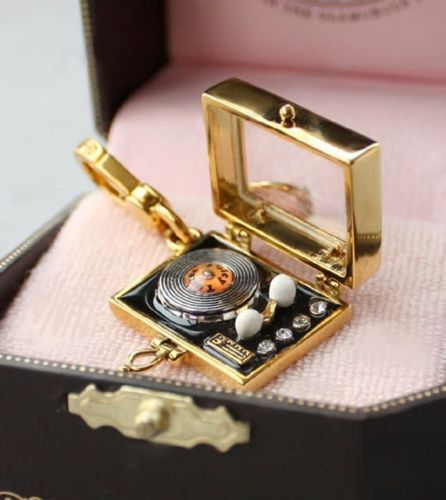 *NWT* JUICY COUTURE *RARE* VINTAGE RECORD PLAYER CHARM BRACELET HANDBAG NECKLACE