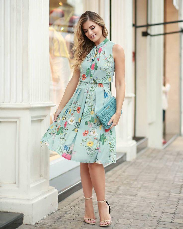 Saia Midi Estampa Floral Doce Flor em Crepe | Vestidos, Vestidos estampados, Vestidos estilosos