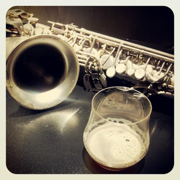 Sax & Beer #eventibirra #Beer #beerlover #instandroid #jazz » @robji_m » Instagram Profile » Followgram
