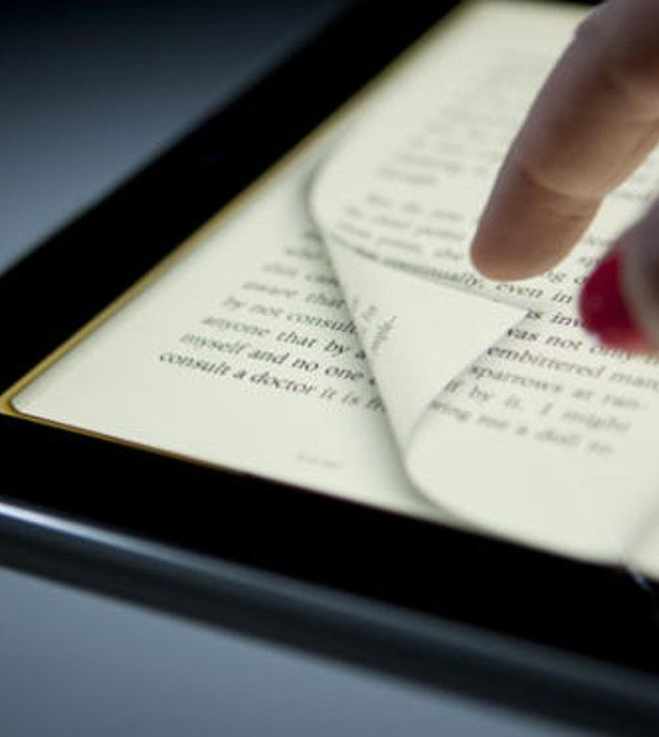 """Artículo de la revista mexicana """"Forbes"""" que habla sobre la convivencia entre textos digitales y textos impresos"""