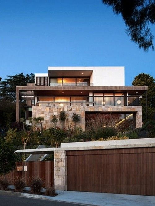 MCK Architecture in Surry Hills, Australia, is known for its geometric forms and innovative use of materials, as one can easily see in their design for the Flipped House in the eastern suburbs of Sydney. The residence, home to a young family, integrates indoor/outdoor living to perfection