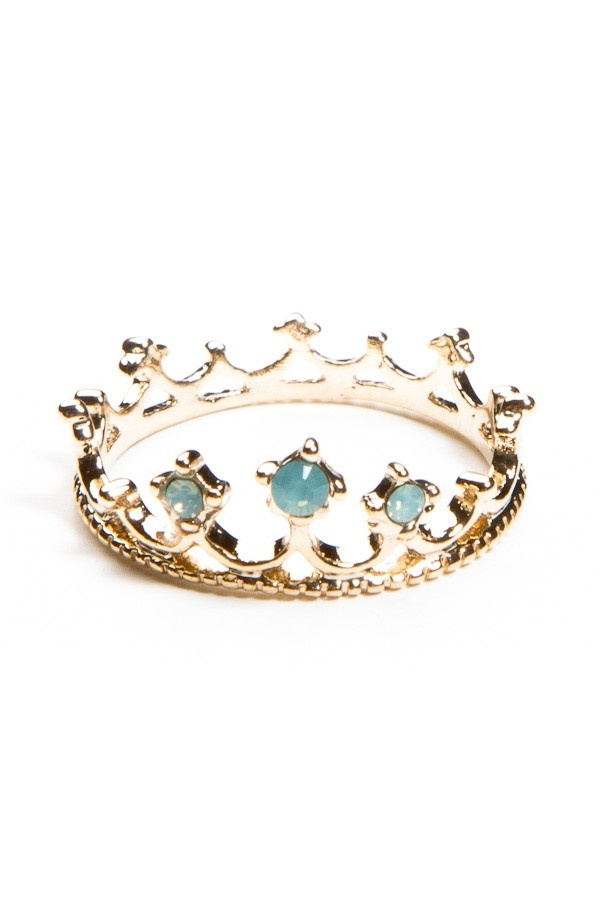 Princess Ring... Perfect for me. Turquoise being my mom and my favorite color, and gold just being awesome(: