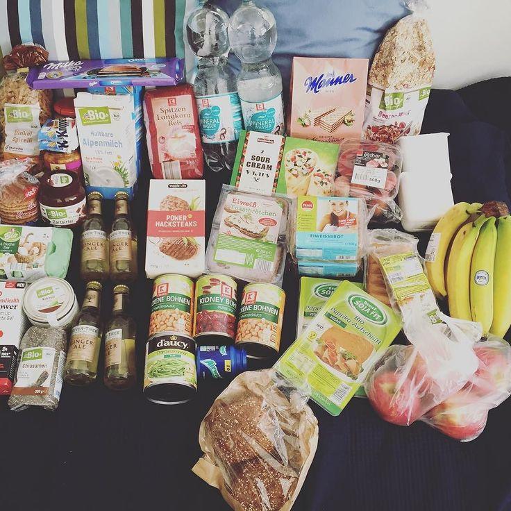 Gestern ging's wieder vom #pott runter nach #karlsruhe - das 2. Semester beginnt morgen an der Uni und das war der erste Einkauf für die Studienphase. Ein wenig Sünde ist auch dabei - Schokolade für den #cheatday  #shopping #eatclean #trainhard #fitfam #instafit #motivation #for #today #carbs #fitness #lifting #weights #study #university #healthy #yummy #summer #sun #notonlyweights #trainthebrain #weekend #veggie #vitamins #bawü by leon_1807