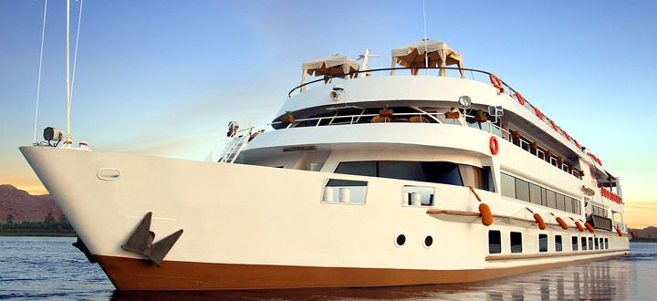 Spend 3 nights cruising the #Nile aboard #luxurious, 18-cabin Sanctuary 'Sun Boat III' http://ht.ly/LylIY