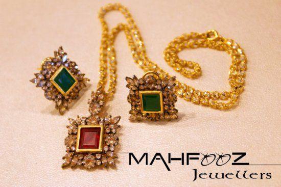 http://mahfoozjewellers.com/gold-jewellery/sets/img/items-sets/3.jpg